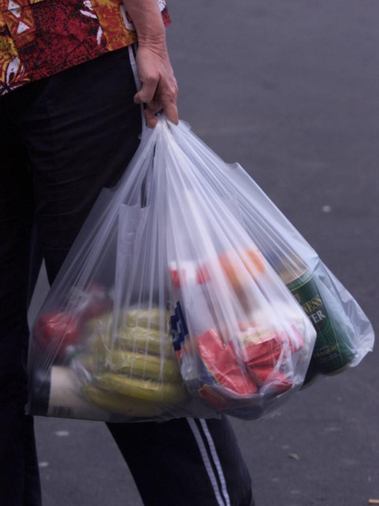 """Lei de """"Restrições ao fornecimento de sacos de plástico"""" (II)"""