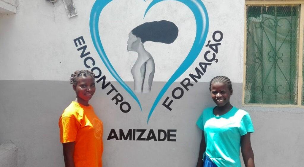 HARAMBEE EM ÁFRICA A FALAR PORTUGUÊS