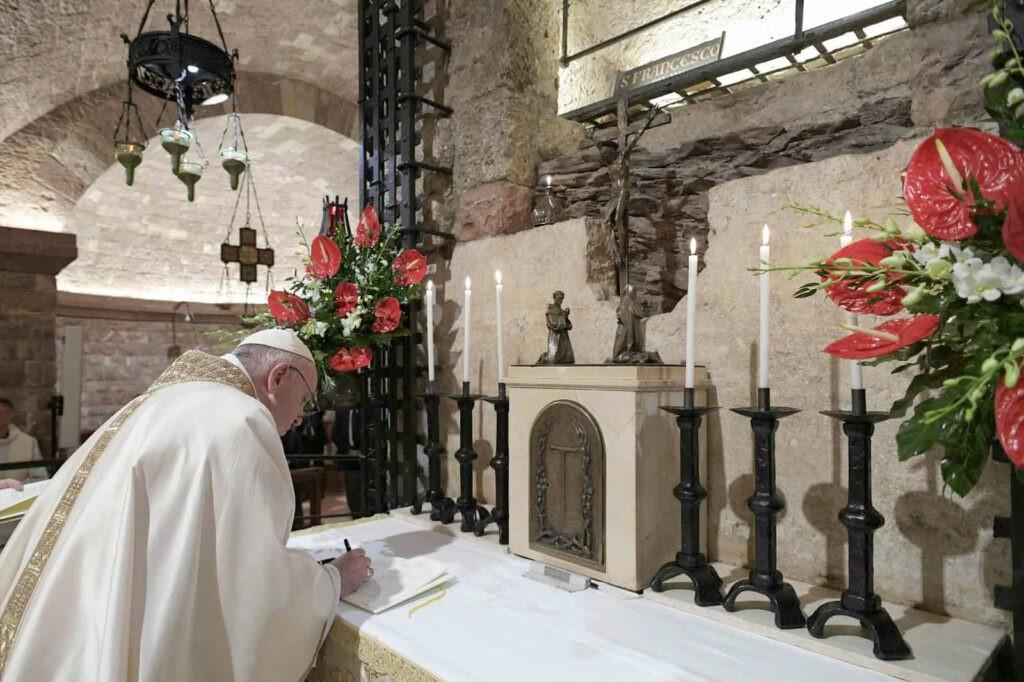 "Papa denuncia falhanço de ""globalismo"" sem rumo"
