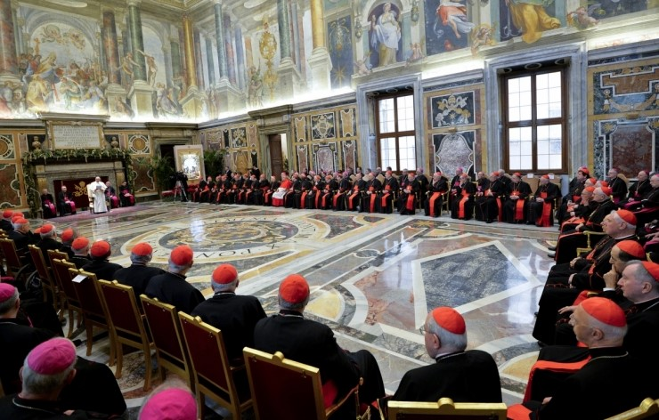 Pope Francis addresses Roman Curia on 23 December 2014