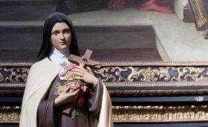 """""""Chuva de Rosas"""" na igreja de São Lourenço"""