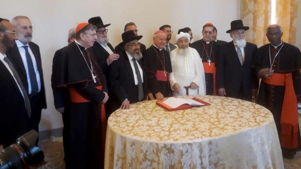 Católicos, judeus e muçulmanos unidos contra a eutanásia