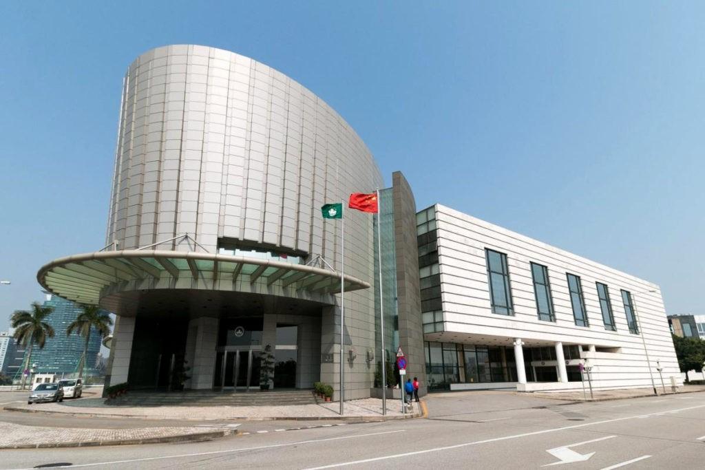 Apresentação breve sobre os trabalhos de recensão e adaptação da legislação previamente vigente em Macau (I)