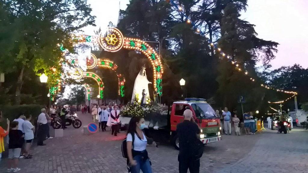 FESTAS DE NOSSA SENHORA DE LA SALETTE ATÍPICAS
