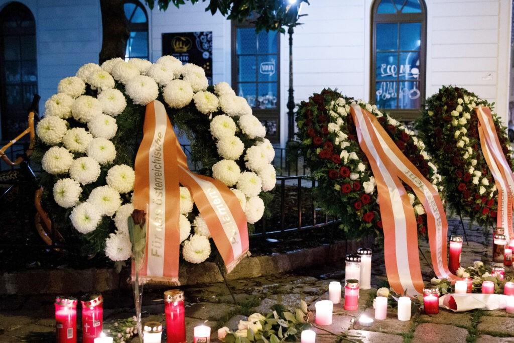 Papa condena terrorismo em Nice e Viena