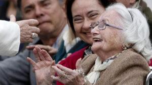 «Os avós e os idosos não são sobras de vida»